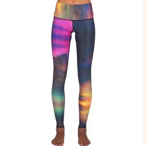 Teeki Rainbow Clouds Hot Pants Legging